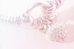 五颜六色的软的迷离心脏形状金刚石镯子 免版税图库摄影
