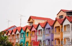 五颜六色的连栋房屋 免版税库存照片