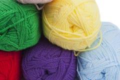 五颜六色的钩针编织纱线 库存照片