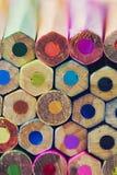 五颜六色的铅笔抽象背景  免版税库存图片