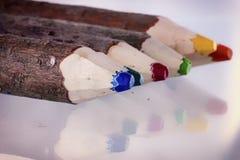 五颜六色的铅笔线  免版税库存照片