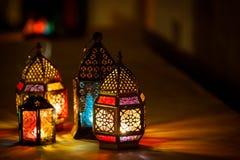 五颜六色的阿拉伯斋月灯笼 库存照片