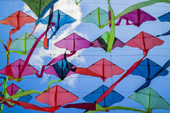 五颜六色的风筝屋顶 库存图片
