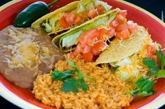 五颜六色的食物墨西哥牌照 免版税库存图片