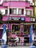 五颜六色的餐馆在Sultanahmet伊斯坦布尔 库存图片