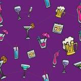 五颜六色的饮料和鸡尾酒无缝的样式 免版税库存照片