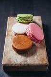 五颜六色的鲜美蛋白杏仁饼干 库存图片