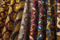 五颜六色的织品样片在津巴布韦 图库摄影
