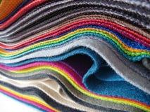 五颜六色的织品选择品种  免版税库存图片