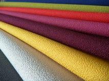 五颜六色的织品选择品种  免版税库存照片