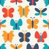 五颜六色的蝴蝶的减速火箭的无缝的样式 皇族释放例证
