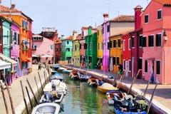 五颜六色的Burano,意大利 免版税库存照片