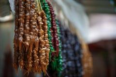 五颜六色的churchkhela -一传统纤巧nacionalnoe乔治亚 免版税库存照片