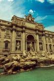五颜六色的fontana di trevi在罗马 图库摄影