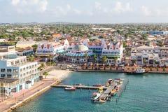 五颜六色的Oranjestad阿鲁巴 免版税库存照片