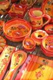 五颜六色的Provencal瓦器 免版税库存图片