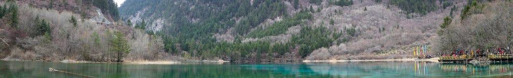 五Flower湖全景在九寨沟公园 免版税图库摄影