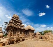 五Rathas。Mahabalipuram,泰米尔纳德邦,南印度 免版税库存照片