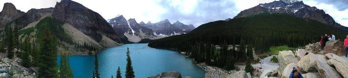 亚伯大banff加拿大湖找出路易丝冰碛国家最近的公园 免版税库存照片