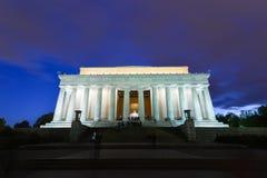 亚伯拉罕・林肯纪念品在晚上,华盛顿特区美国 库存照片