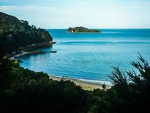 亚伯美好的海岛横向国家新的公园南tasman西兰 亚伯Tasman国家公园,南海岛 库存照片