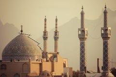 亚兹德,伊朗- 2016年10月07日:亚兹德全景  亚兹德是盖帽 库存图片