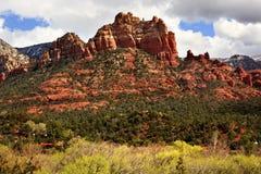 亚利桑那小山骆驼题头橙红岩石sedona 库存图片