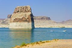 亚利桑那湖孤立页powell岩石 免版税库存照片
