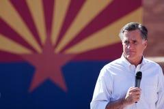 亚利桑那竞选讲西班牙语的美国人露指手套romney 免版税库存照片