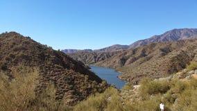 亚利桑那美丽的沙漠湖 库存照片