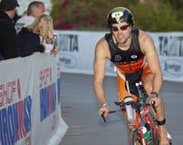 亚利桑那豆埃里克ironman赛跑的三项全能 免版税图库摄影