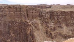 亚利桑那,一点科罗拉多峡谷, A徒升从远的墙壁在小的科罗拉多峡谷 影视素材