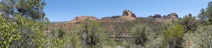亚利桑那, Sedona,各种各样的红色岩层A视图在Sedona北部 图库摄影