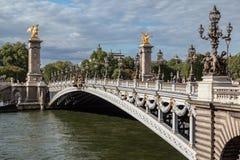亚历山大三世桥梁巴黎法国 免版税库存图片