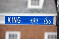 亚历山大国王街道蓝色标志 库存图片