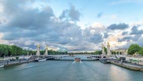 亚历山大桥梁跨过河塞纳河timelapse hyperlapse的III 巴黎 法国 影视素材