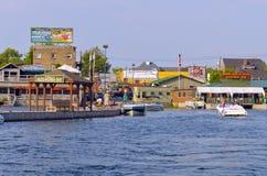 亚历山大海湾,纽约码头边商店 免版税库存照片
