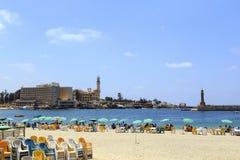 亚历山大,埃及- 2015年7月15日:海滩的未认出的人 库存图片