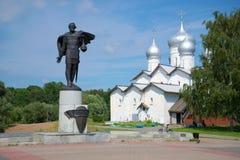 亚历山大・涅夫斯基和Borisoglebsk教会7月下午 Velikiy Novgorod 图库摄影
