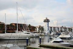 巴亚尔塔港小游艇船坞 库存图片