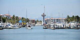 巴亚尔塔港小游艇船坞 免版税图库摄影