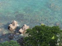 巴亚尔塔港清楚的水  免版税库存照片