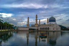 亚庇市浮动清真寺 免版税图库摄影