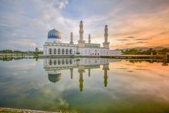 亚庇市清真寺沙巴婆罗洲,马来西亚 免版税库存照片