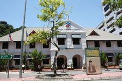 亚庇,沙巴马来西亚- 2018年5月1日:沙巴旅游业委员会办公楼,亚庇沙巴 免版税库存照片