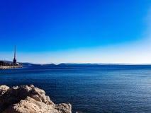 亚得里亚海的克罗地亚海运分开的夏天日落 库存图片