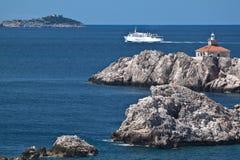 亚得里亚海的克罗地亚灯塔晃动海运 免版税库存照片