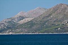 亚得里亚海的海岸克罗地亚山 库存图片