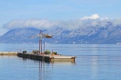 亚得里亚海马卡尔斯卡相接海岛 免版税库存图片