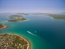 亚得里亚,克罗地亚空中照片  免版税图库摄影